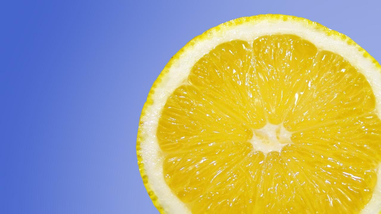 Zitronenwasser trinken – am besten täglich!