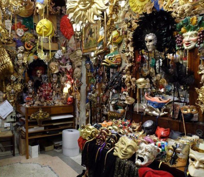 Pinsel, Federn und Liebe: Venedigs Maskenmacher