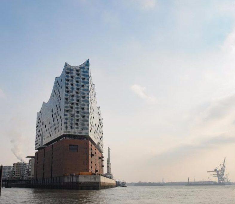 Elbphilharmonie lockt Touristen nach Hamburg