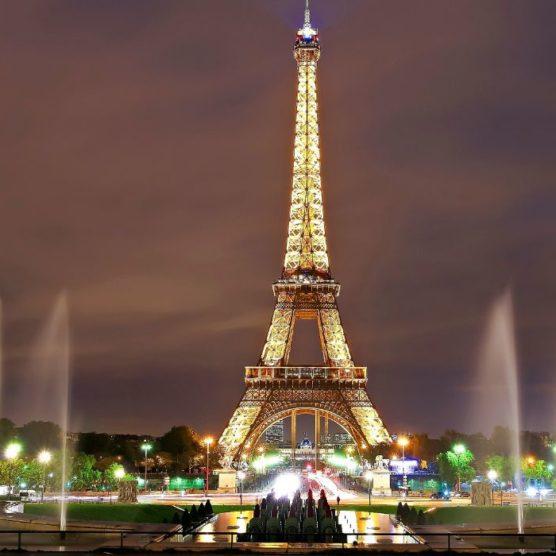 Mon dieu, der Eiffelturm wird 128!