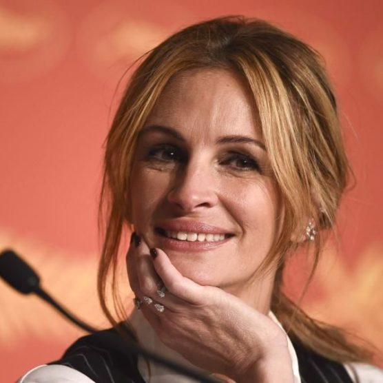 Good Fact - Julia Roberts