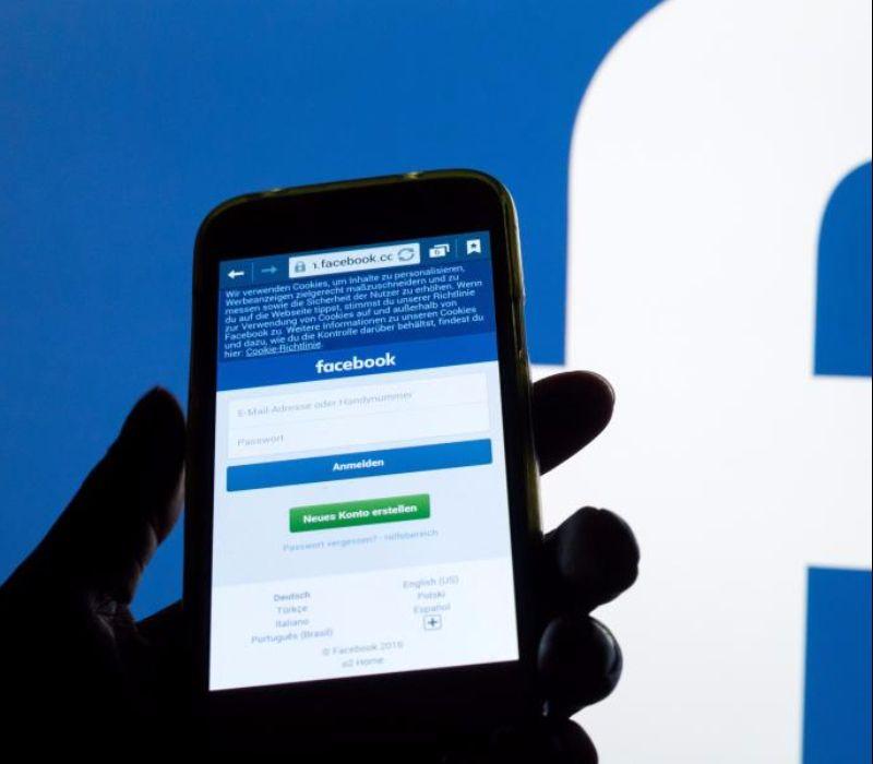 Facebook rüstet auf im Kampf gegen Fake News