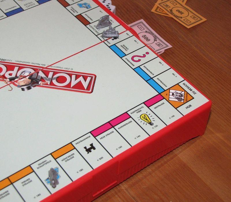 Good Fact – Queen Monopoly