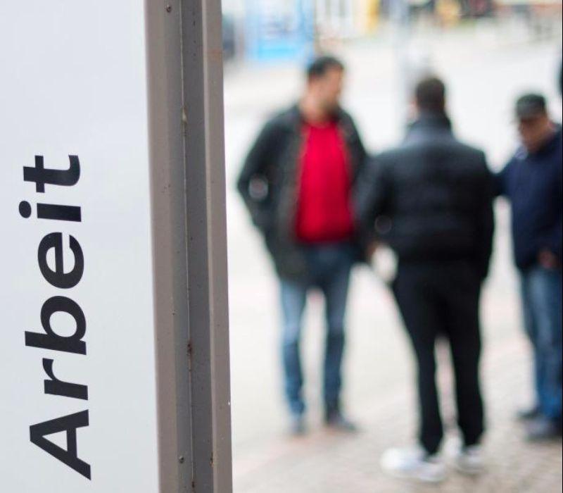 Arbeitslosenzahl sinkt im Mai auf 26-Jahrestief