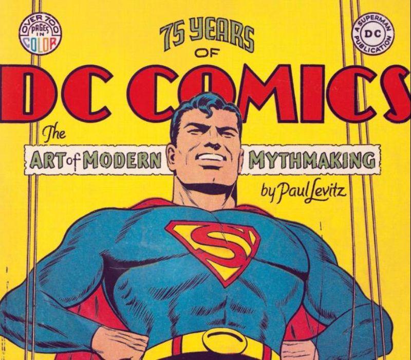 Blick zurück: Opulenter Bildband über Superhelden