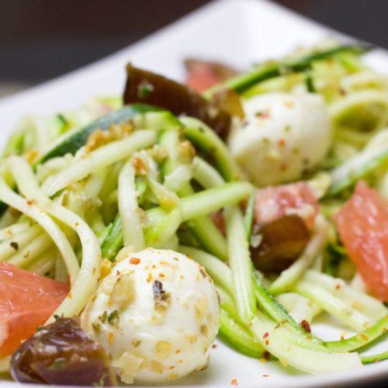 Gesunde Alternative zu Pasta: Zucchininudeln